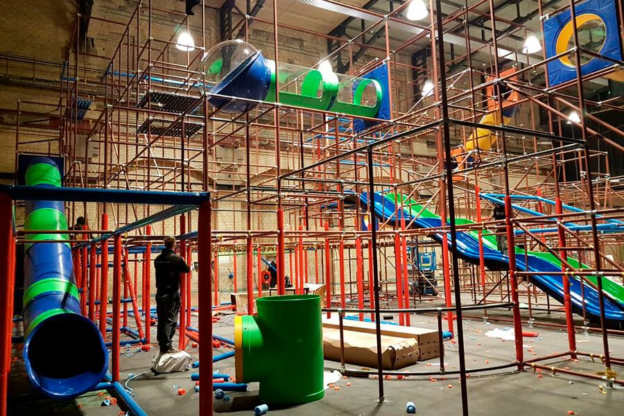 Montage Indoor Spielplatz